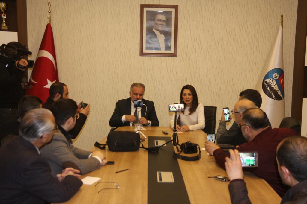Ayhan Bilgen Kars Belediyesi'nin sorunlarını masaya yatırdı!
