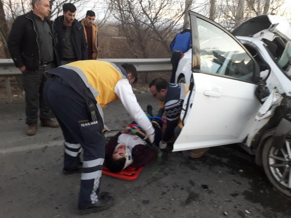 Iğdır'da Trafik Kazası 2 Ölü Bir Yaralı