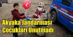 Akyaka Jandarması Çocukları Unutmadı