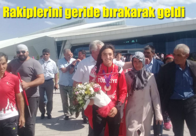 Tuğba Toptaş, Atletizmde Kars'ın Göğsünü Kabarttı